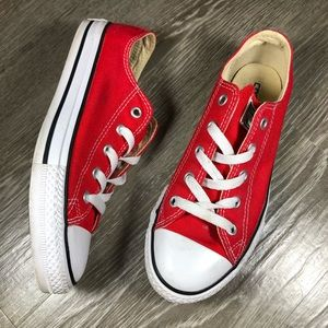 Converse Chuck Taylor Red Low tops